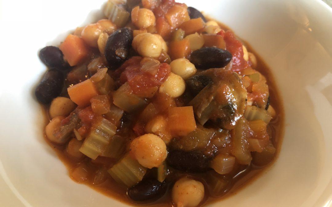 Cath's veggie Chilli (serves 4)